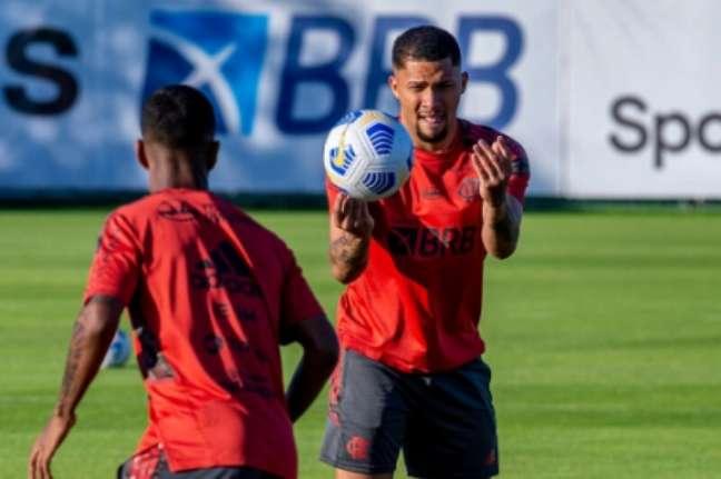 V. Gabriel retornou ao Fla há um mês (Foto: Marcelo Cortes/Flamengo)