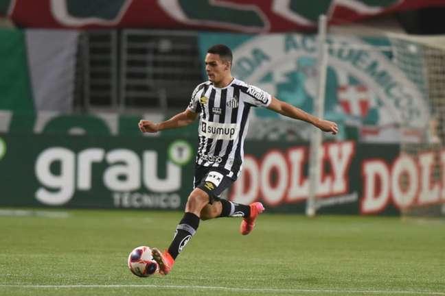 O zagueiro Kaiky superou a desconfiança no Santos (Foto: Ivan Storti/Santos FC)