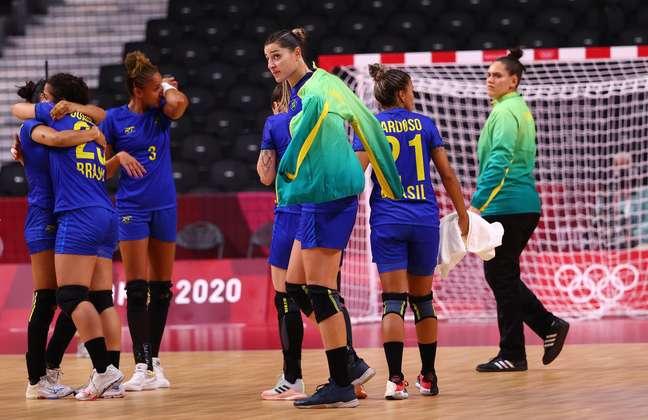 Brasil cai para a França e é eliminado no handebol feminino