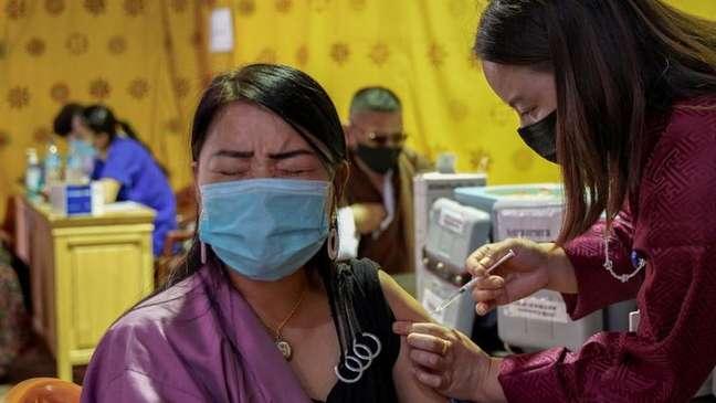 Mais de 3,5 mil agentes de vacinação foram destacados para imunizar uma população de 800 mil