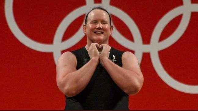 No levantamento de peso, a neozelandesa não concluiu a prova em três tentativas.