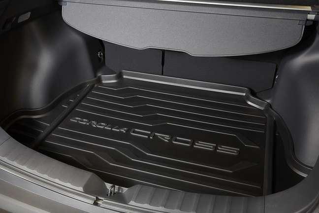 Corolla Cross Special Edition: bandeja no porta-malas.