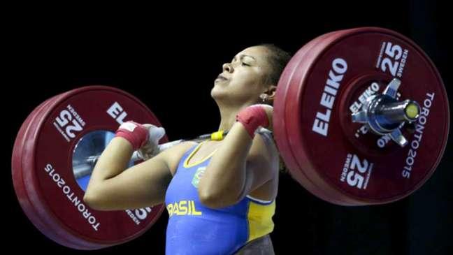 Jaqueline Ferreira somou 215kg levantados nos Jogos Olímpicos de Tóquio (Foto: Washington Alves/Exemplus/COB)