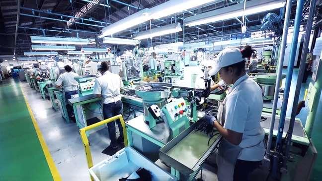 Fábrica da NGK em Mogi das Cruzes emprega mais de 1.300 funcionários.
