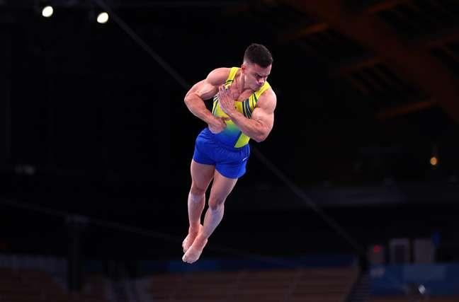 Caio Souza executa movimentos nesta segunda-feira nos Jogos Olímpicos de Tóquio Lisi Niesner Reuters