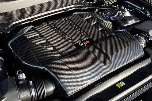Range Rover SVR é equipado com motor V8 de 575 cv.