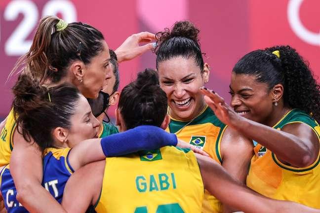 Seleção feminina passou em primeiro lugar do grupo
