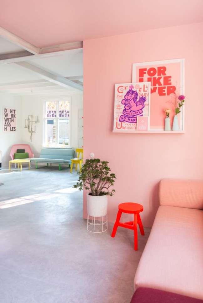 17. Cores de tinta para sala em cor de rosa moderna – Foto Pinterest