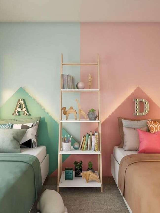 39. Como decorar um quarto infantil compartilhado verde e rosa – Foto: Pinterest