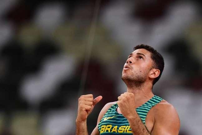 Thiago Braz conquistou o ouro no Rio em 2016 e o bronze em Tóquio-2020 (Foto: Ben STANSALL / AFP)