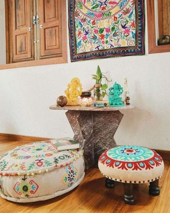11. Mini altar indiano para orações e meditações. Fonte: Casa Alma Studio