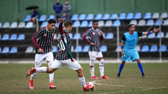 Equipe Sub-17 do Fluminense decide a Copa Rio contra o Vasco da Gama (FOTO: LUCAS MERÇON / FLUMINENSE F.C.)
