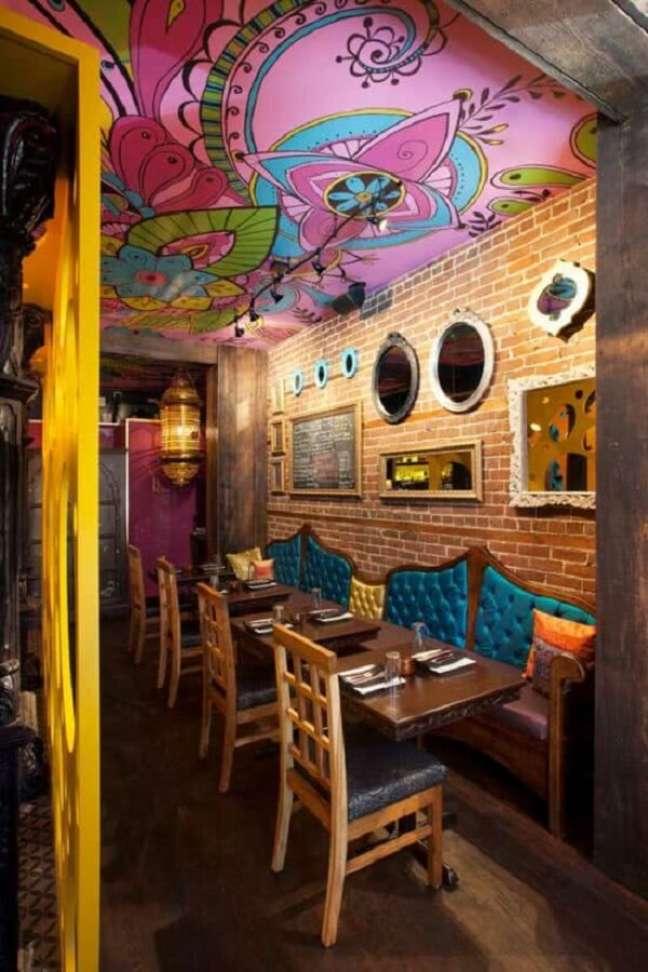 38. Diversas lojas e restaurantes apostam na decoração indiana. Fonte: Pinterest