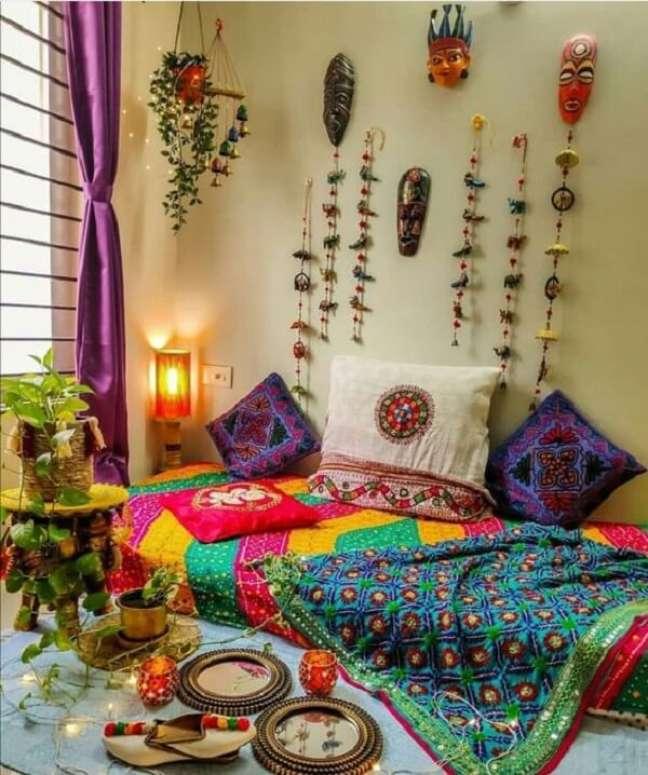 2. Quarto indiano com roupas de cama estampada. Fonte: Pinterest