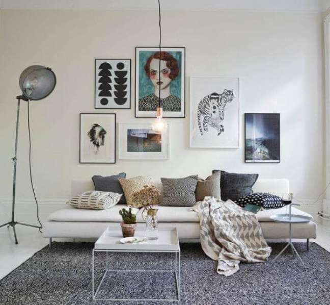 50. Decoração escandinava com cores de tinta para sala branca e cinza – Foto Pinterest