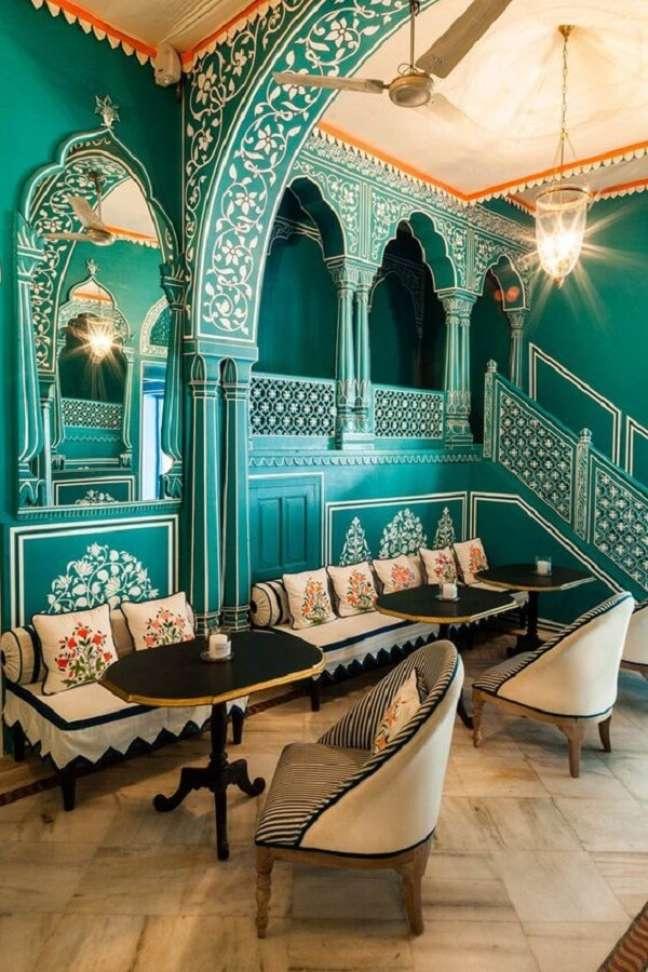 49. Arquitetura e decoração indiana marcam a identidade deste restaurante. Fonte: Pinterest