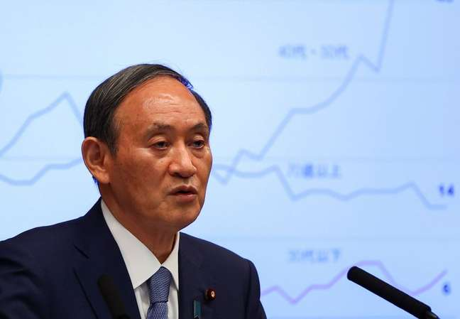 Primeiro-ministro do Japão, Yoshihide Suga, durante entrevista coletiva em Tóquio 30/07/2021 REUTERS/Issei Kato/Pool