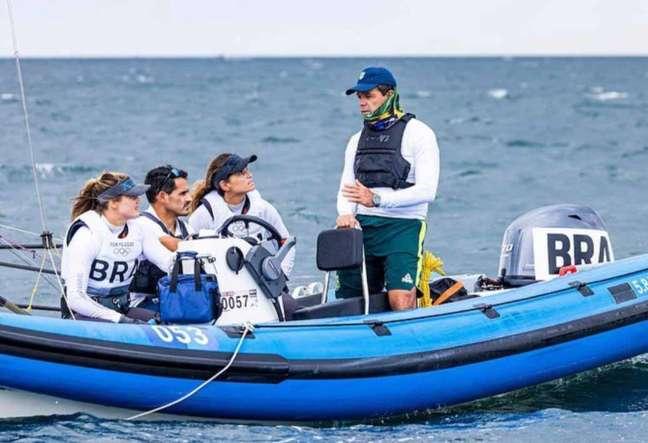 Torben Grael é técnico da dupla Martine e Kahena, ouro na classe 49erFX nos Jogos Olímpicos de Tóquio (Sailing Energy / World Sailing)