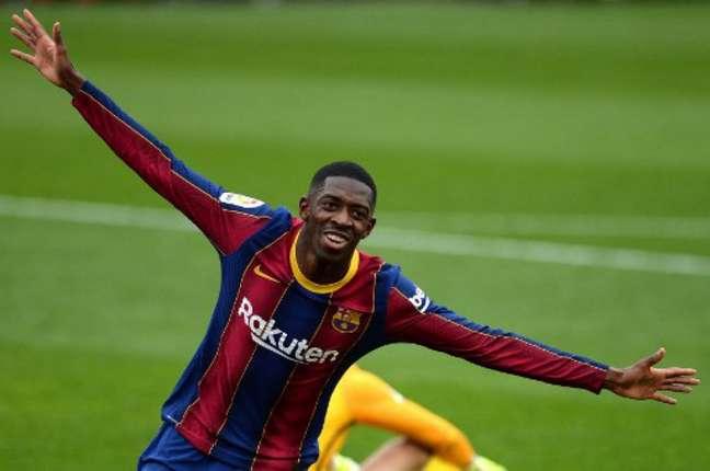 Dembélé está próximo de renovar contrato com o Barcelona (CRISTINA QUICLER / AFP)