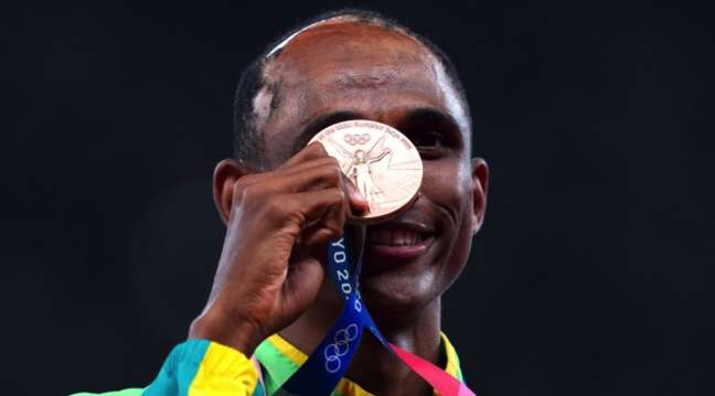 Alison dos Santos, o Piu, foi medalha de bronze nos 400m com barreira