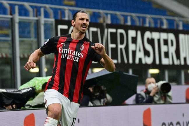 Ibrahimovic poderia ter trocado o Milan pelo PSG em 2020 (Foto: MIGUEL MEDINA / AFP)