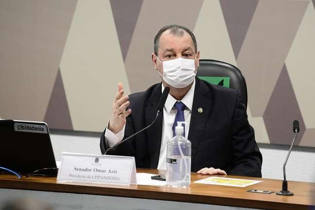 Senador Omar Aziz comanda os trabalhos de reabertura da CPI da Covid