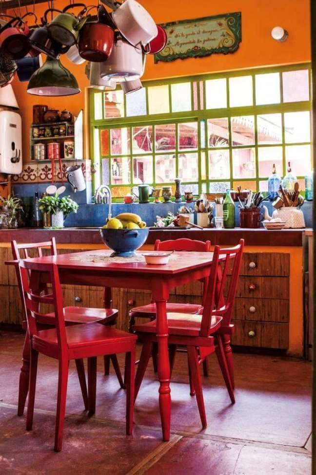 43. Mesa retrô quadrada para cozinha pequena e prática – Foto Estilo Próprio by sir