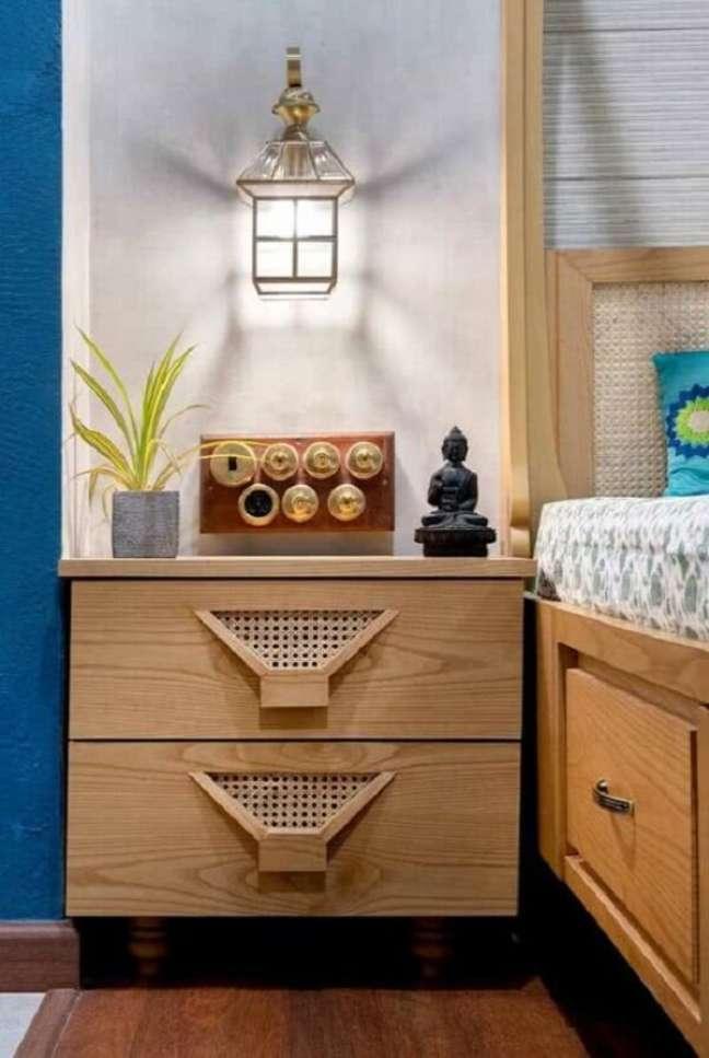 20. Os pequenos objetos de decoração indiana trazem ainda mais beleza ao cômodo. Fonte: Pinterest