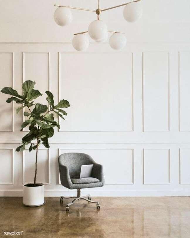 77. Sala moderna com moldura de isopor em branco na parede – Foto Rawpixel