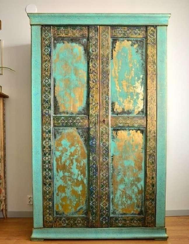 28. Na decoração indiana os móveis normalmente são talhados à mão. Fonte: Pinterest.