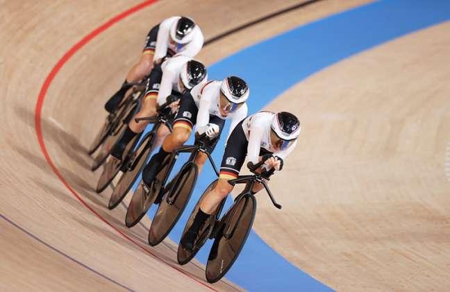 Equipe alemã de ciclismo quebrou o recorde mundial duas vezes nesta madrugada (Twitter/Tokyo2020)