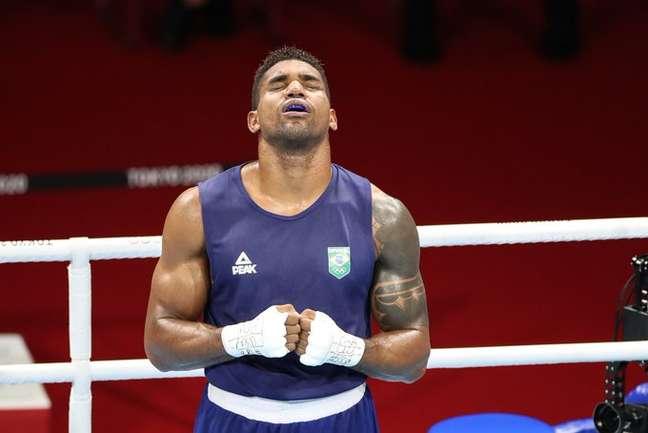 Abner Teixeira comemora medalha de bronze nos Jogos Olímpicos de Tóquio Gaspar Nóbrega/COB