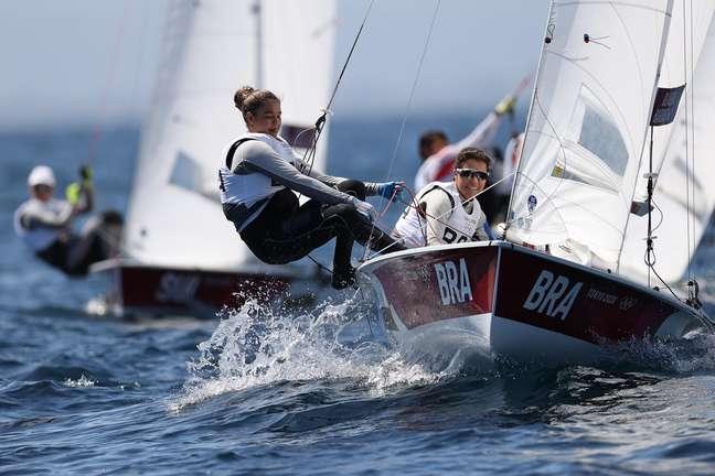Fernanda Oliveira Horn e Ana Luiza Barbachan durante regata nesta terça-feira na Baia de Endoshima Ivan Alvarado/Reuters
