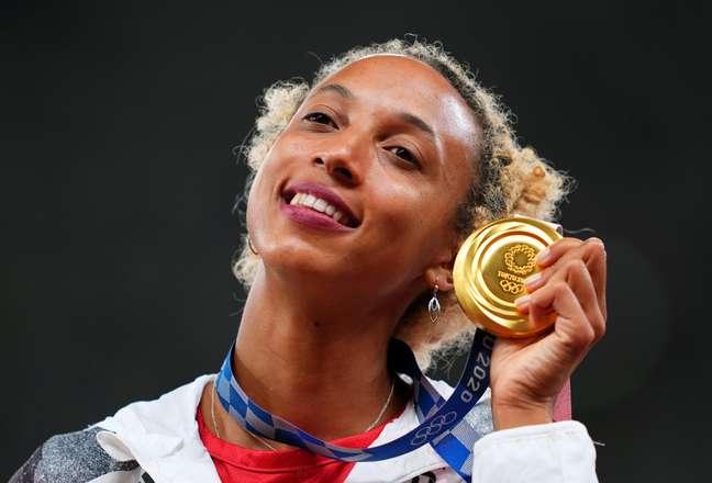 Malaika Mihambo, da Alemanha, levou o ouro no salto em distância nos Jogos Olímpicos deTóquio nesta terça-feira Aleksandra Szmigiel/Reuters