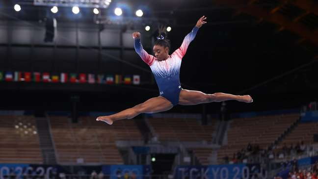 Simone Biles durante apresentação nesta terça-feira, nos Jogos Olímpicos de Tóquio Lindsey Wasson/Reuters