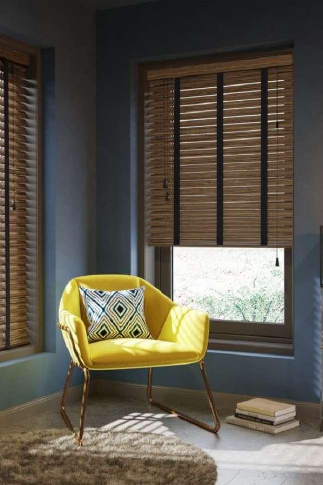 13. A persiana de madeira ajuda a manter a privacidade. Fonte: Pinterest