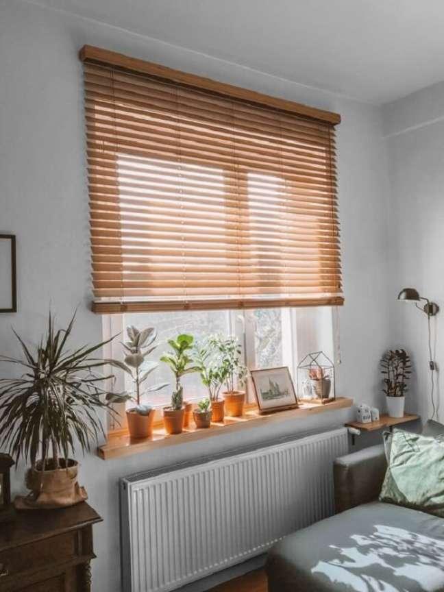 20. A persiana de madeira é uma peça extremamente versátil. Fonte: Pinterest