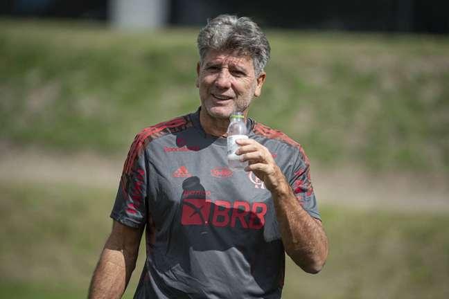 Renato Gaúcho comandou atividade do grupo principal, que fica no Rio de Janeiro (Foto: Alexandre Vidal/Flamengo)
