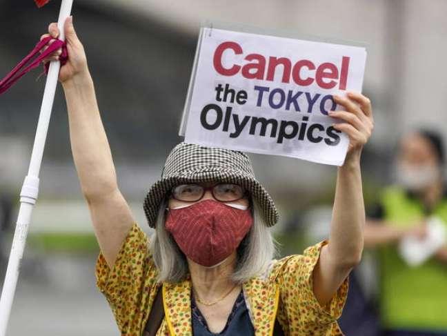 Protesto contra Olimpíadas em Tóquio, capital do Japão, em 9 de julho