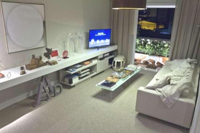 52. Carpete para sala cinza e moderna – Foto Atelie Revestimentos
