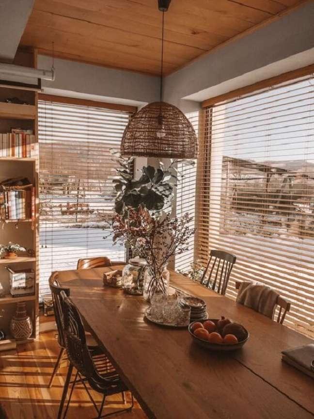 43. Persiana de madeira para sala de jantar. Fonte: Pinterest