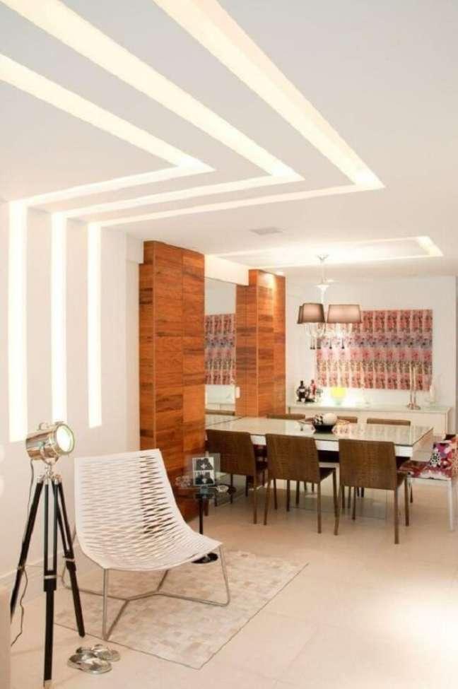 12. Decoração com gesso para iluminar a sala de jantar moderna – Foto Pinterest