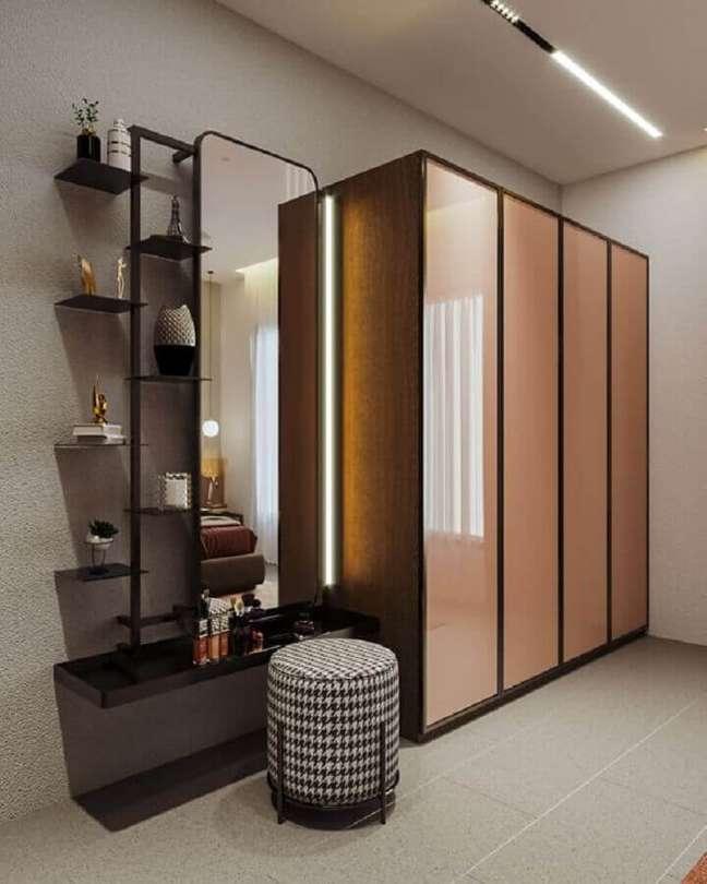 11. Banqueta puff para decoração de closet simples – Foto: Behance