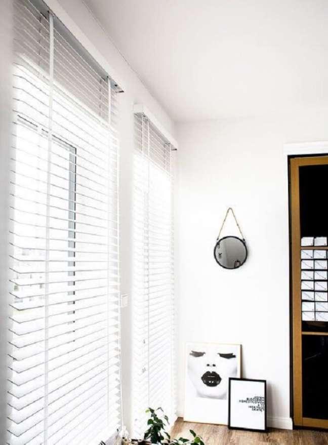 35. Modelo de persiana de madeira branca. Fonte: Pinterest