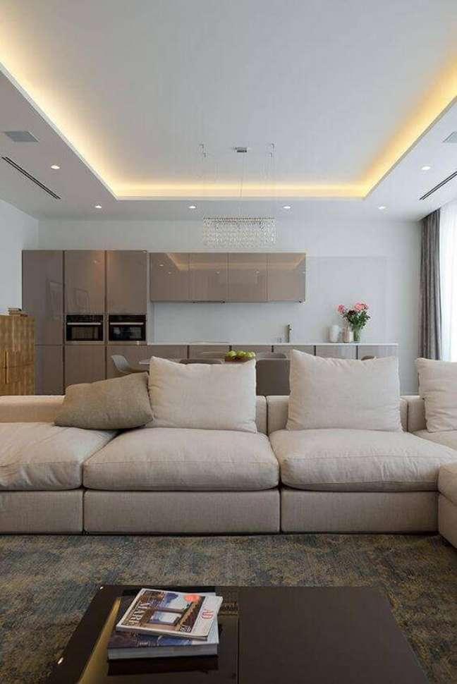 4. Decoração de gesso no teto da sala de estar – Foto Pinterest