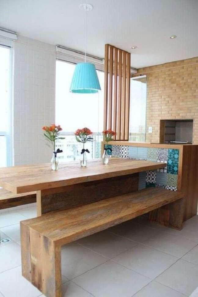 40. Decoração simples para apartamento com varanda gourmet e churrasqueira – Foto: Pinterest