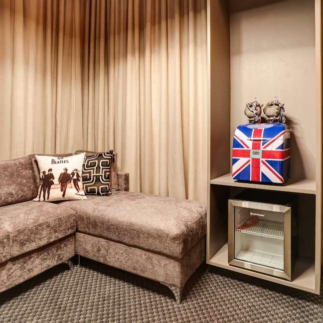 41. Carpete para sala moderna em cinza – Foto Atelie Revestimentos Projeto Simoni Saviólli