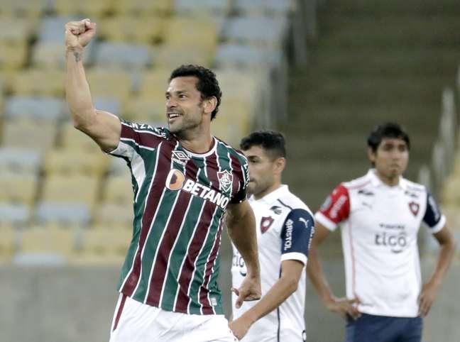 Fred comemora após marcar o gol da vitória do Fluminense no Maracanã