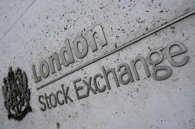 Fachada da Bolsa de Valores de Londres 29/12/2017 REUTERS/Toby Melville