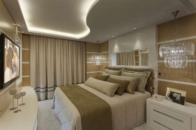 49. Decoração de gesso para quarto com forro curvo e iluminação moderna – Foto Pinterest